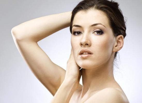 Рецепт масок з вітаміном Е підбирають за типом шкіри